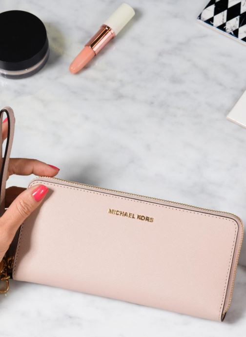 Wallets & cases Michael Michael Kors Money Pieces Travel continental Pink view from underneath / model view
