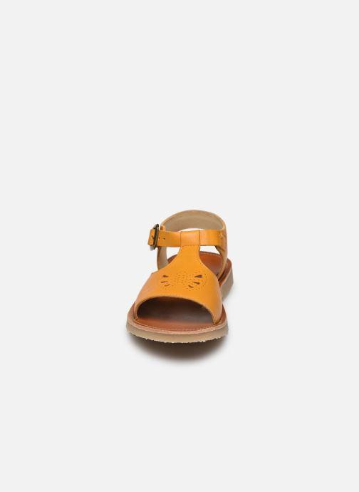 Sandales et nu-pieds Young Soles Belle Jaune vue portées chaussures