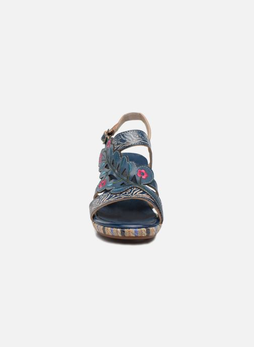 Sandali e scarpe aperte Laura Vita Belfort87 Multicolore modello indossato