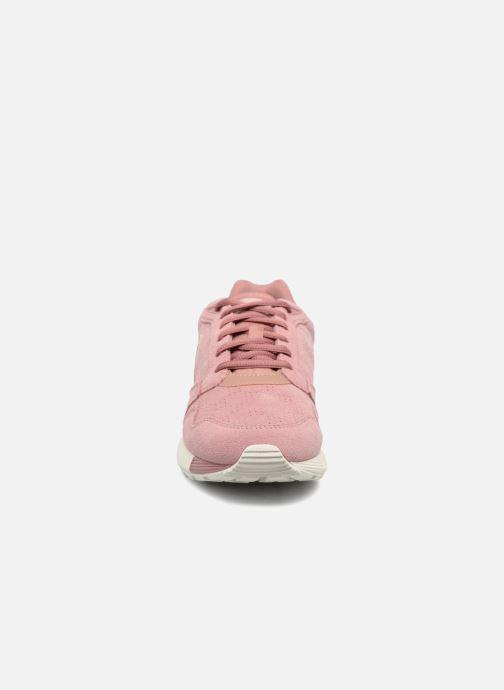 Baskets Le Coq Sportif Omega X W Summer Flavor Rose vue portées chaussures