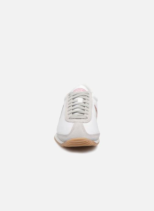 b47fe7e6070b Baskets Le Coq Sportif Quartz W Feminine Nylon/Gum Blanc vue portées  chaussures
