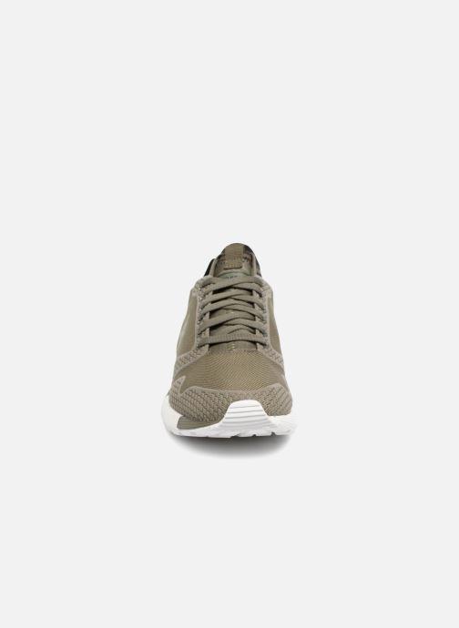 Sneaker Le Coq Sportif Omicron Tech Modern grün schuhe getragen