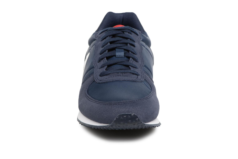 Baskets Le Coq Sportif Onyx Nylon Bleu vue portées chaussures