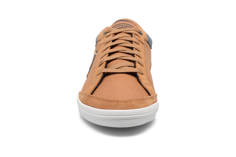 Baskets Le Coq Sportif Feretcraft Cvs/2 Tones Marron vue portées chaussures