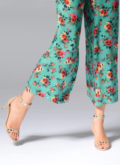 Sandales et nu-pieds Guess Narele Beige vue bas / vue portée sac