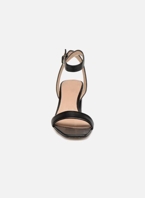 Sandales et nu-pieds Guess Annabelle Noir vue portées chaussures