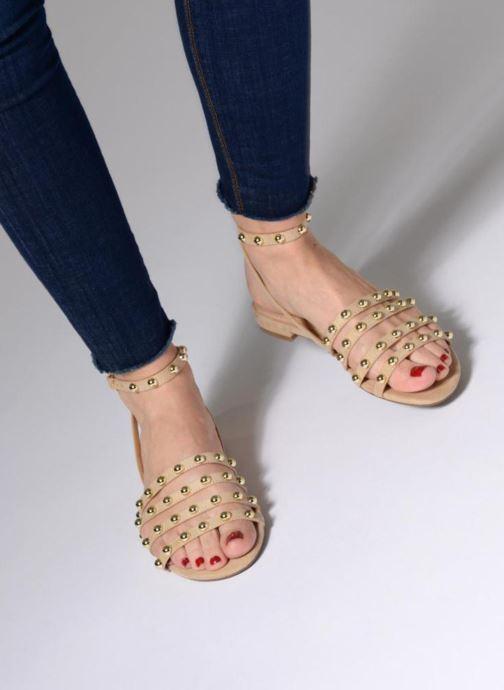 Sandales et nu-pieds Guess Roxie Beige vue bas / vue portée sac