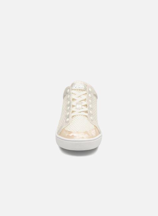 Baskets Guess Gisela Blanc vue portées chaussures
