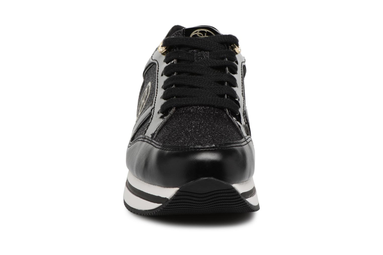 Baskets Guess Dameon Noir vue portées chaussures