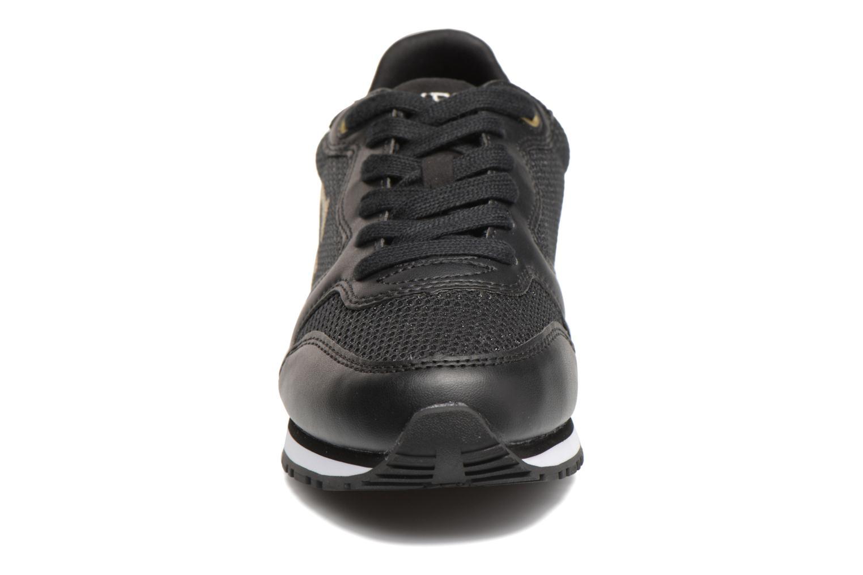 Baskets Guess Johnny2 Noir vue portées chaussures