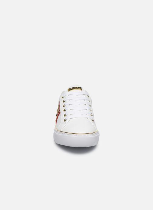 Baskets Guess Gamer Blanc vue portées chaussures