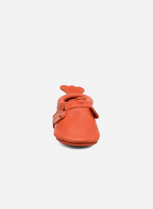 Pantuflas Hippie Ya Mocassins Homard Naranja vista del modelo