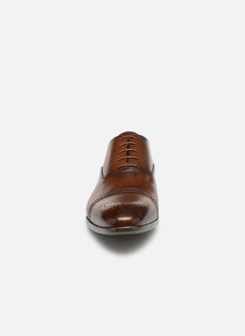Chaussures à lacets Doucal's OTELLO Marron vue portées chaussures