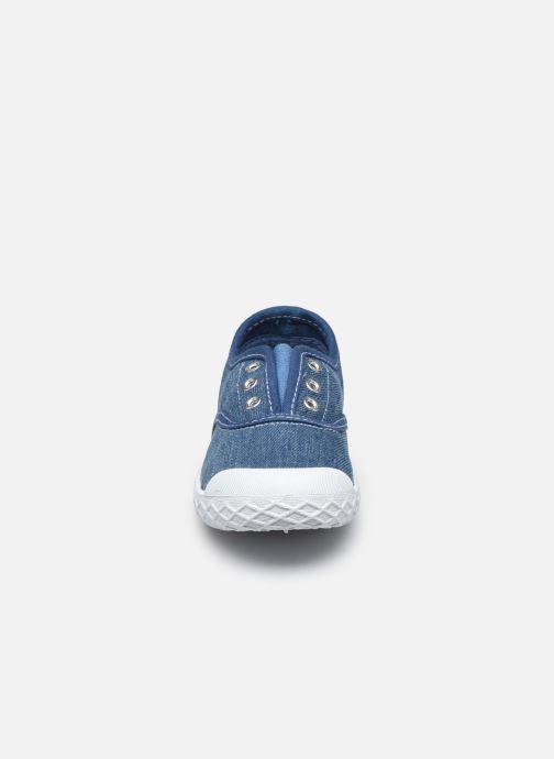 Sneakers Chicco Cardiff Azzurro modello indossato