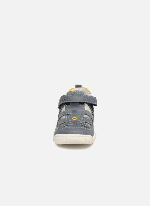 Bottines d'été Chicco Grim Gris vue portées chaussures