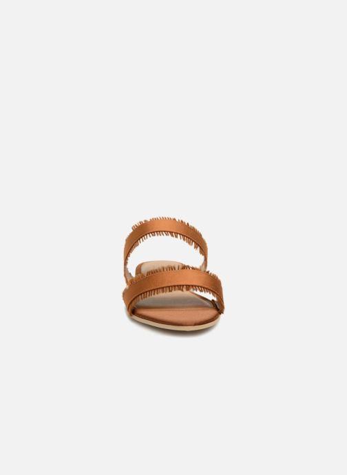 Mules et sabots Pieces Mio sandal Marron vue portées chaussures