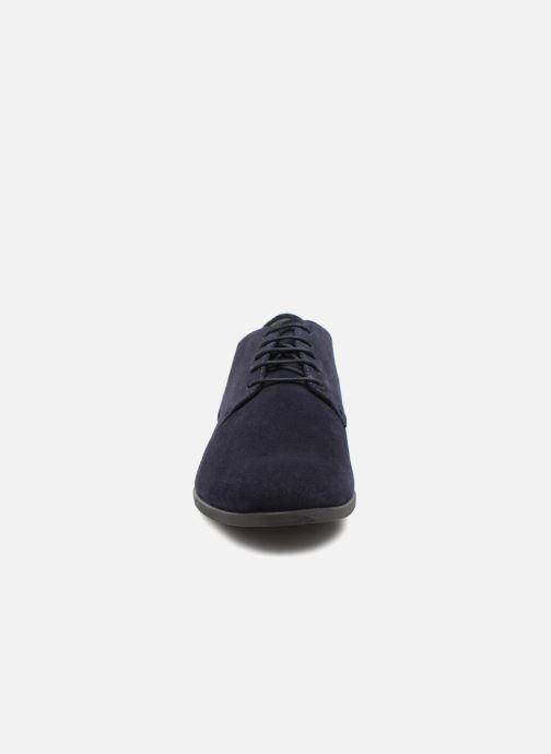 Scarpe con lacci Vagabond Shoemakers Linhope 4570-340 Nero modello indossato