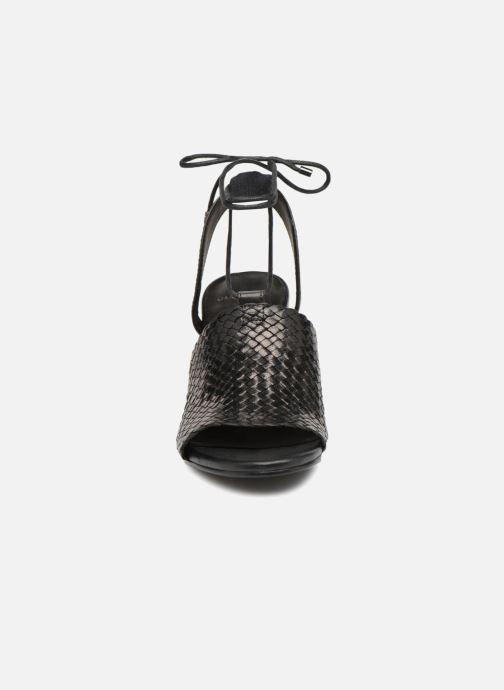 Sandales et nu-pieds Vagabond Shoemakers Carol Noir vue portées chaussures