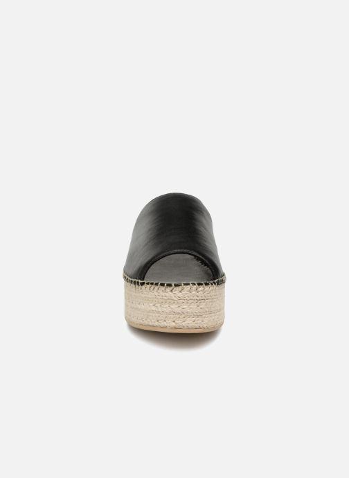 Mules & clogs Vagabond Shoemakers Celeste 1 Black model view