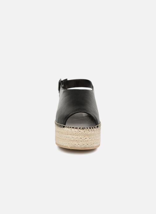 Alpargatas Vagabond Shoemakers Celeste 4533-101 Negro vista del modelo