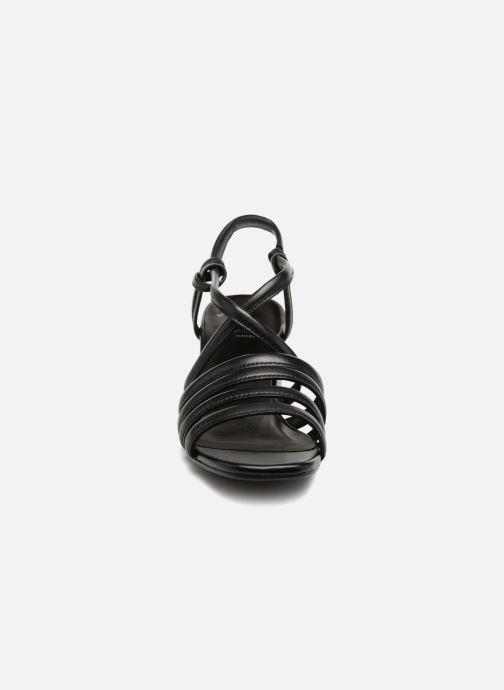 Sandalias Vagabond Shoemakers Saide 4 Negro vista del modelo