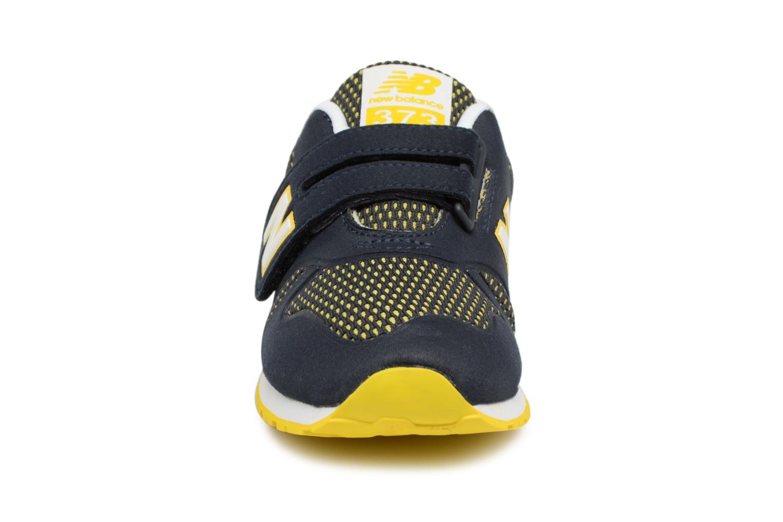 Baskets New Balance KA373 I Bleu vue portées chaussures