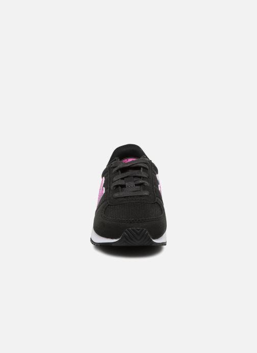 Sneakers New Balance KV220 I Nero modello indossato