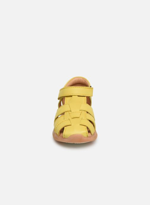 Sandales et nu-pieds Bisgaard Brooke Jaune vue portées chaussures