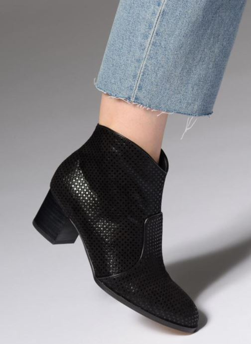 Ankle boots Mellow Yellow Daboy Black view from underneath / model view