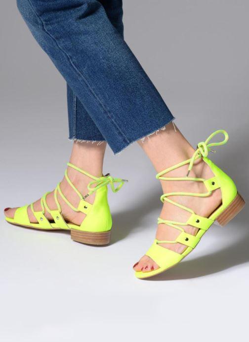 Sandales et nu-pieds Made by SARENZA 90's Girls Gang Sandales Plates #1 Jaune vue bas / vue portée sac