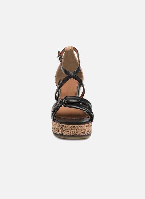 Sandali e scarpe aperte Marco Tozzi Tizaz Nero modello indossato