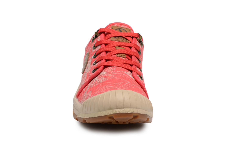Chaussures de sport Aigle Tenere Light Low W CVS Print Rose vue portées chaussures