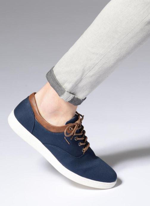 Sneaker I Love Shoes KENINO blau ansicht von unten / tasche getragen