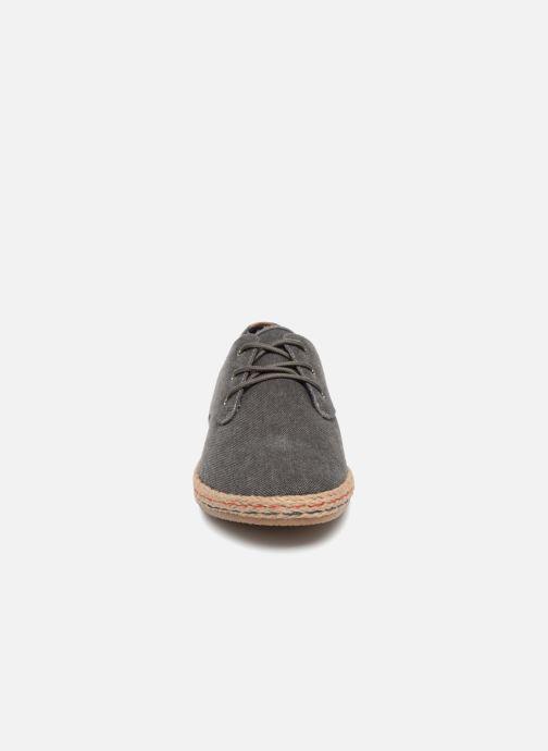 Baskets I Love Shoes KELOMI Gris vue portées chaussures