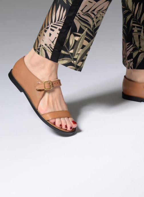 Sandalen An Hour And A Shower Miso braun ansicht von unten / tasche getragen