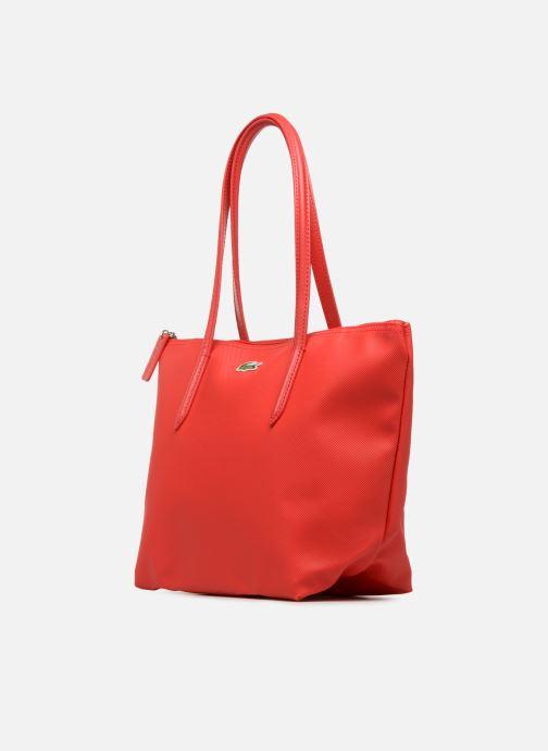 Sacs à main Lacoste S SHOPPING BAG Rouge vue portées chaussures