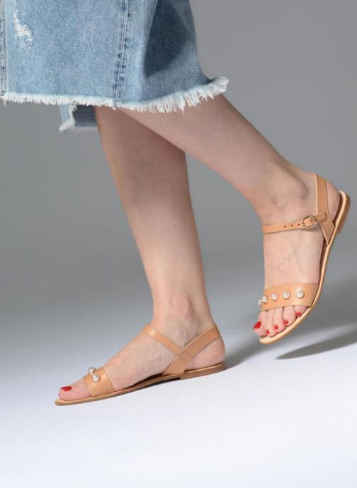 Sandalen Georgia Rose Docultura braun ansicht von unten / tasche getragen