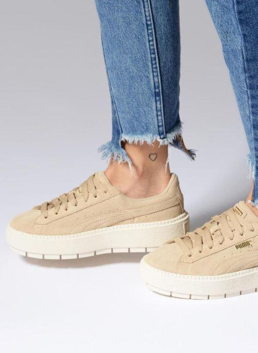 Sneaker Puma Suede Platform Trace Wn's beige ansicht von unten / tasche getragen