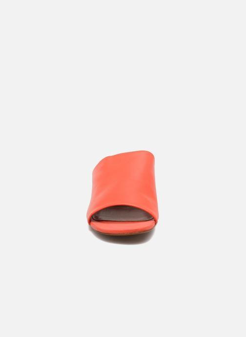 Zoccoli Clergerie LAMO Arancione modello indossato