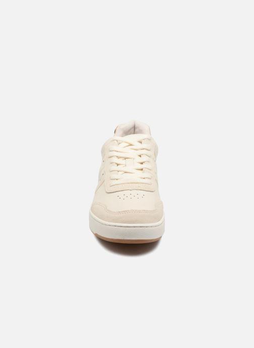 Baskets Faguo COMMON LEATHER SUEDE Blanc vue portées chaussures