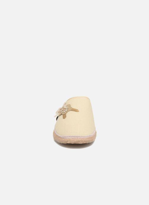 Chaussons Giesswein Pattigham Beige vue portées chaussures
