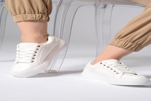 Baskets I Love Shoes Thalinda Blanc vue bas / vue portée sac
