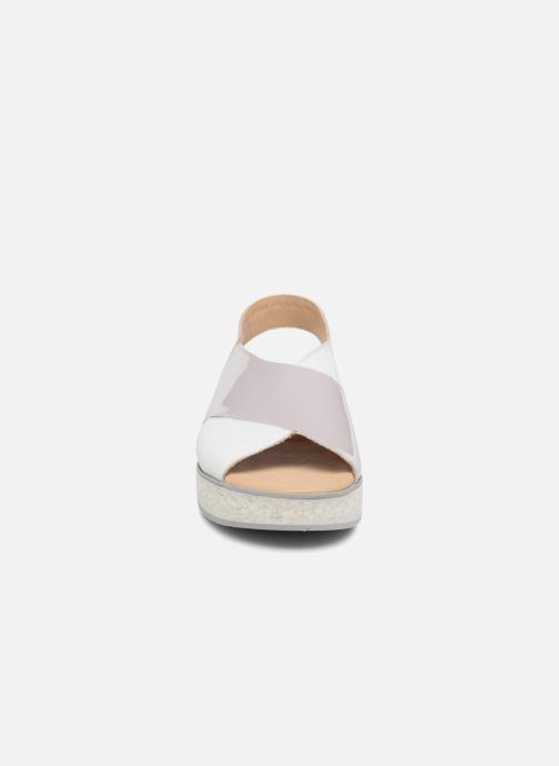 Sandales et nu-pieds MAURICE manufacture Lizia version 1 Gris vue portées chaussures
