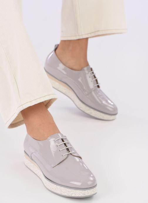 Chaussures à lacets MAURICE manufacture Jay version1 Gris vue bas / vue portée sac