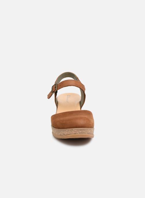 Sandales et nu-pieds El Naturalista Leaves N5001 Marron vue portées chaussures