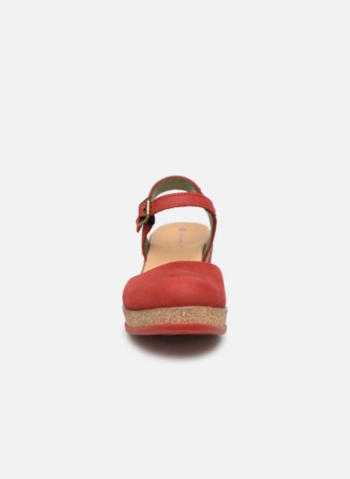 Sandales et nu-pieds El Naturalista Leaves N5001 Rouge vue portées chaussures