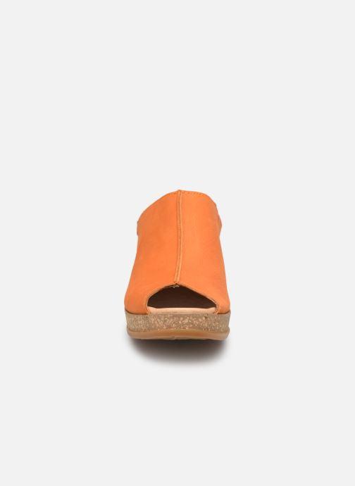 Mules et sabots El Naturalista Leaves N5005 Orange vue portées chaussures