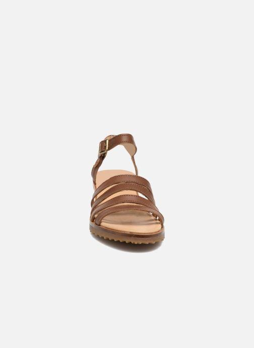 Sandales et nu-pieds El Naturalista Sabal N5016 Marron vue portées chaussures