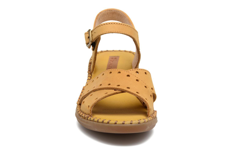 Sandales et nu-pieds El Naturalista Aqua N5325 Jaune vue portées chaussures