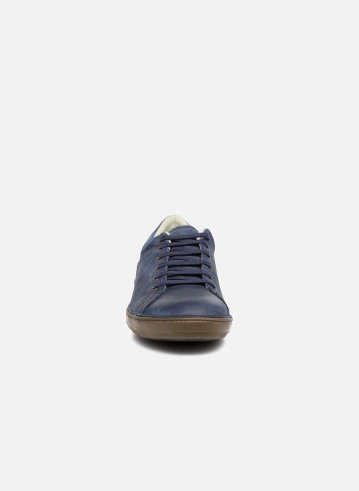 Sneakers El Naturalista Meteo NF92 Azzurro modello indossato